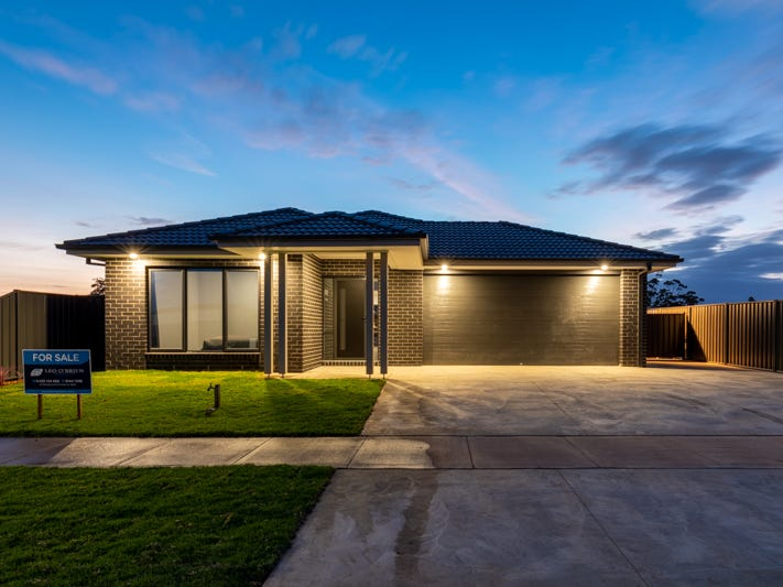 13  Lazzaro  Crescent, Sale, Vic 3850