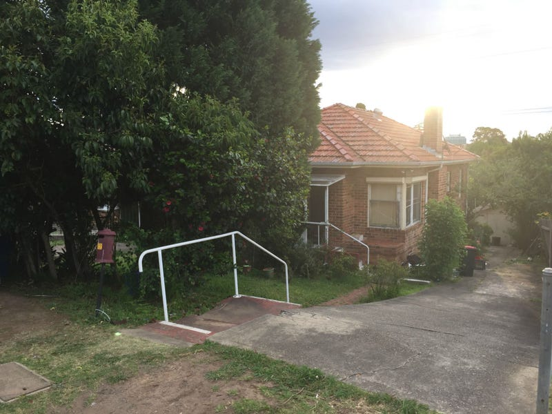 172 Hillcrest Avenue, Mount Lewis, NSW 2190