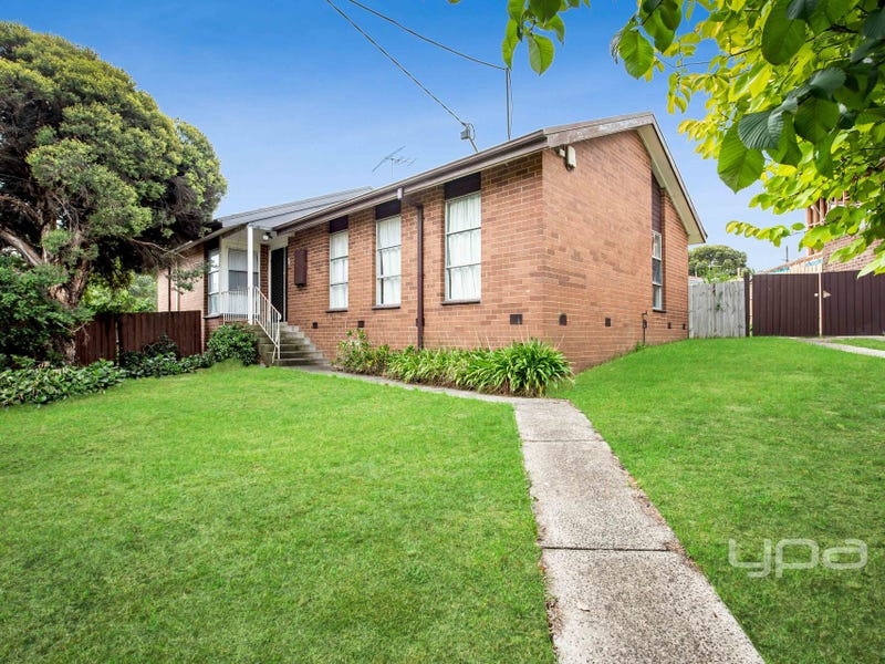 12 Lubeck Court, Meadow Heights, Vic 3048