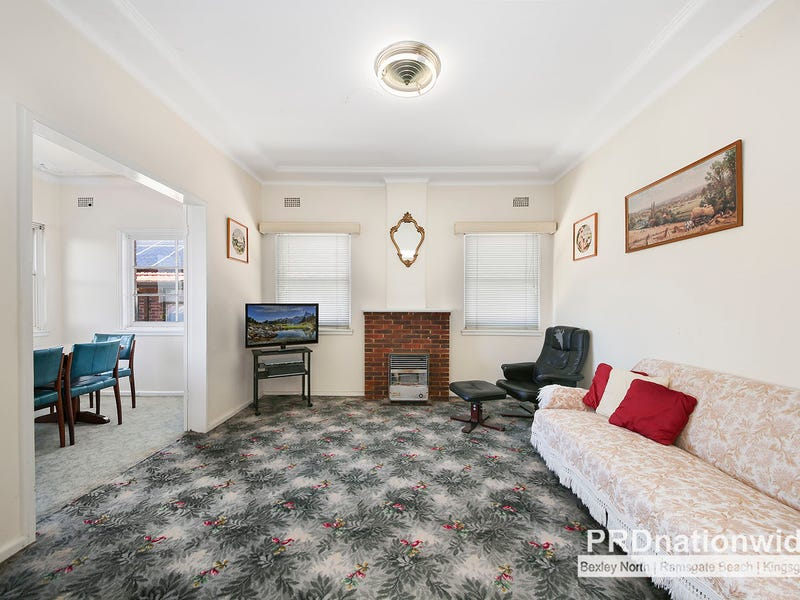 18 Pacific Street, Kingsgrove, NSW 2208