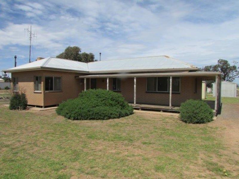 92 Brook Street, Woomelang, Vic 3485