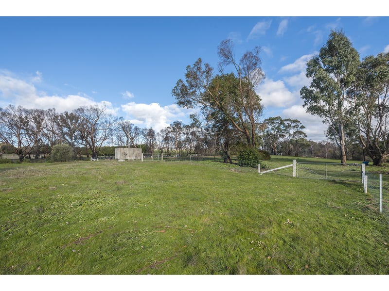 1745 Three Chain Road, Lancefield, Vic 3435