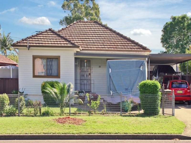 54 Beale St, Georges Hall, NSW 2198