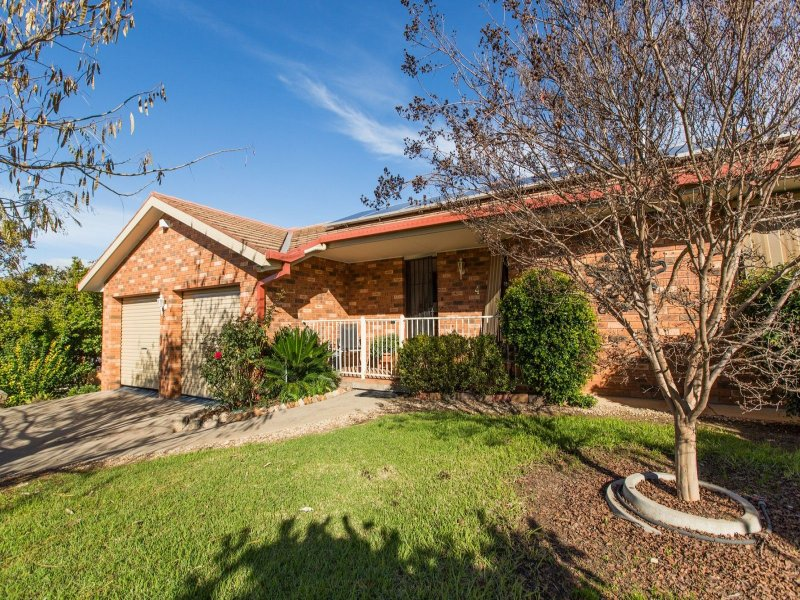 4 Atherton Crescent, Tatton, NSW 2650