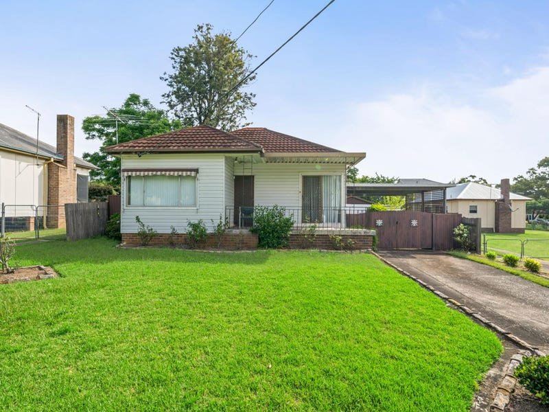 1 Enright Street, East Hills, NSW 2213