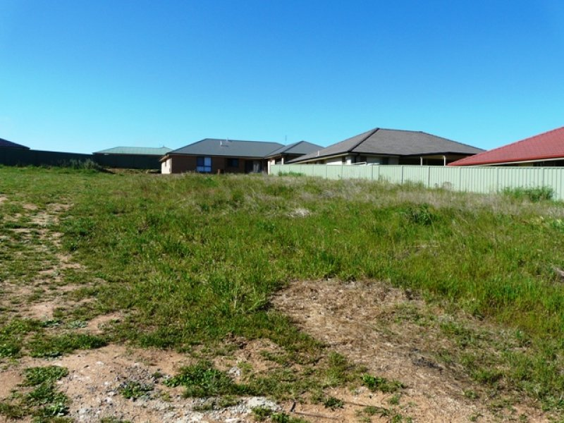 33 (Lot 425) Emerald Drive, Kelso, NSW 2795