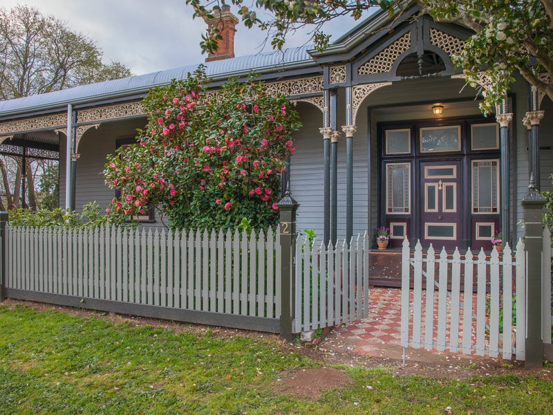 2 Dundas Place, Miners Rest, Vic 3352