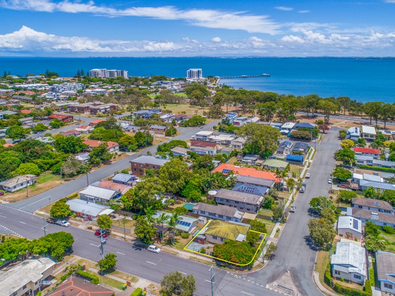 73 Georgina Street, Woody Point, Qld 4019