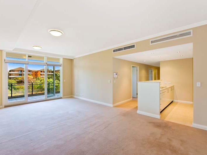 16/3 Bay Drive, Meadowbank