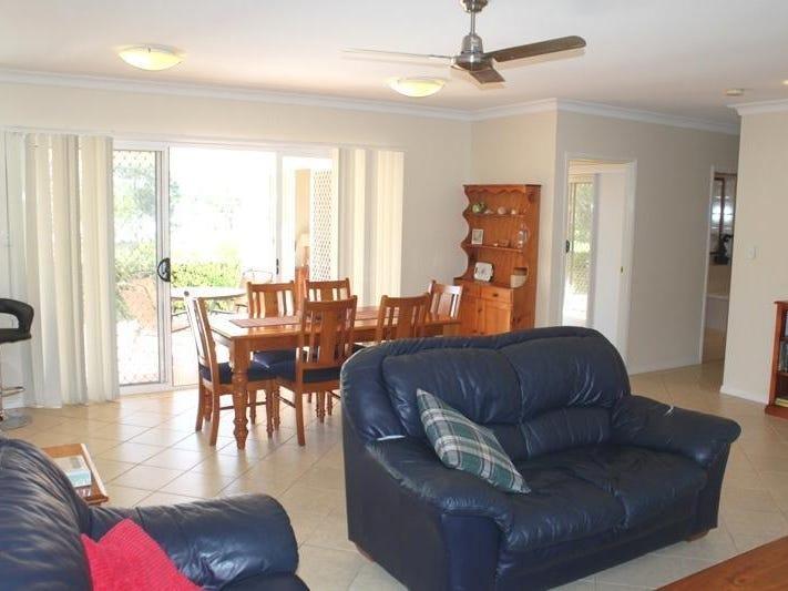 2B The Drive, Yamba, NSW 2464