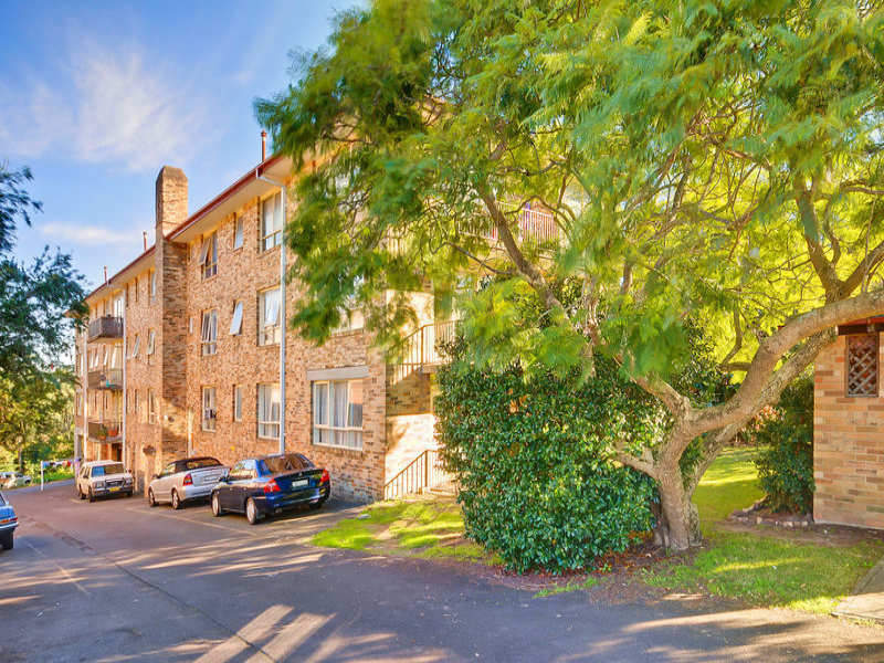 9/221 Pacific Highway, Hornsby, NSW 2077