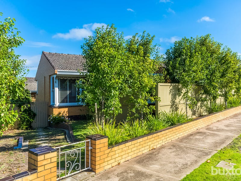 9 Central Avenue, Manifold Heights, Vic 3218