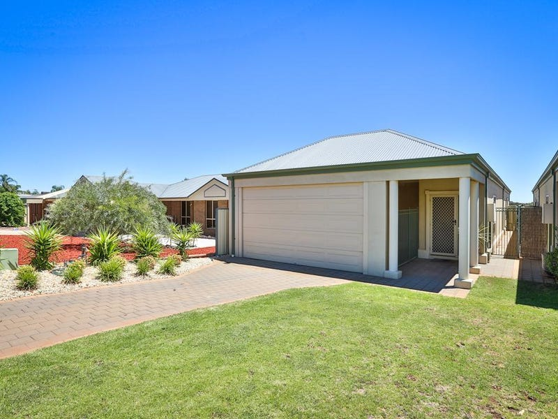 73a Summer Drive, Buronga, NSW 2739