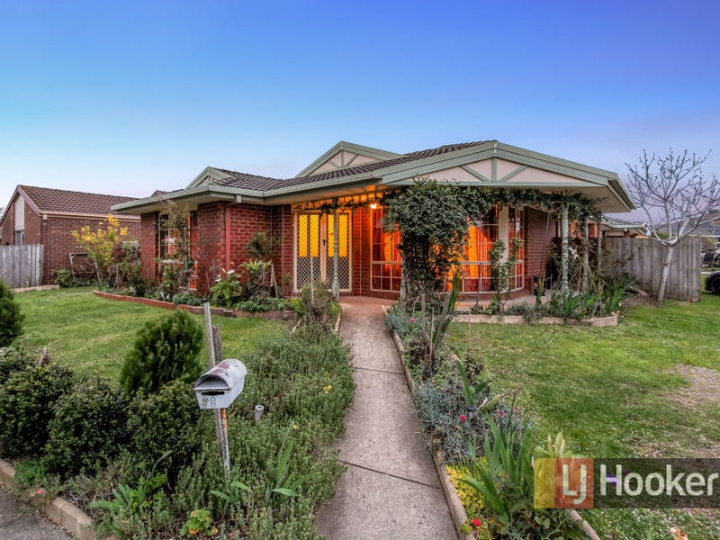 8 Scarborough Drive, Narre Warren South, Vic 3805