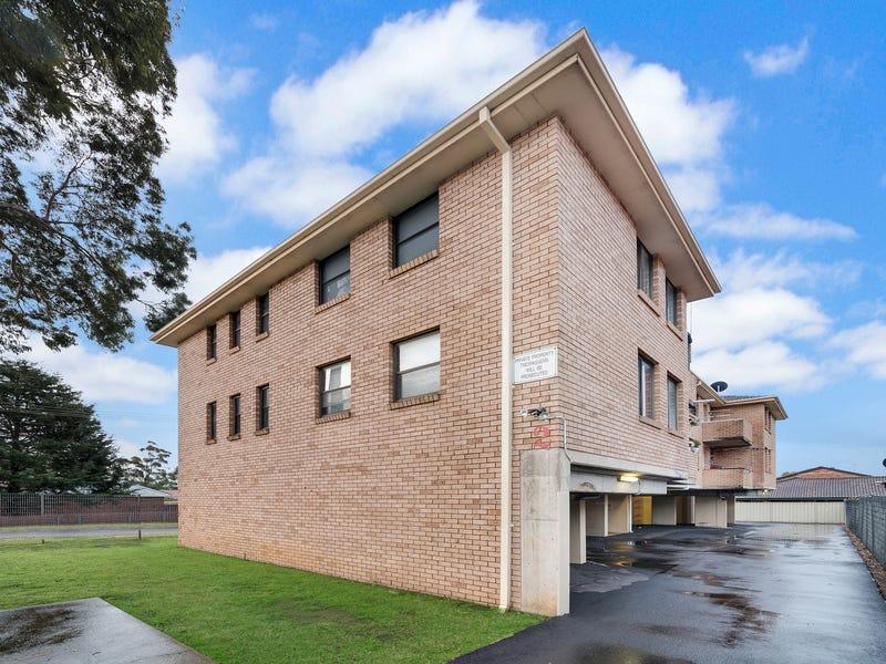 1/2 Stafford Street, Minto, NSW 2566