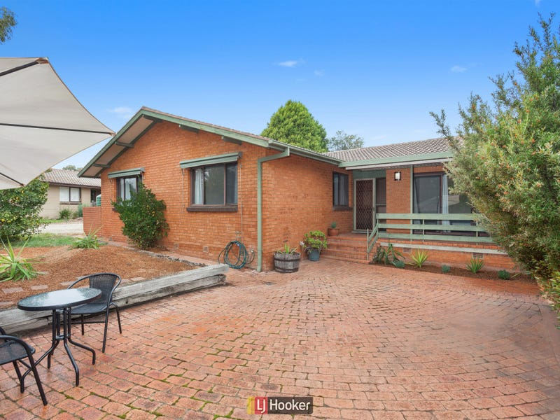 4 Dodd Place, Spence, ACT 2615
