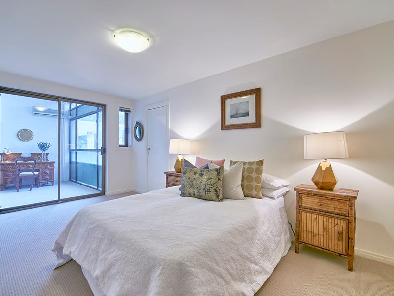 6/10 The Avenue, Crawley, WA 6009