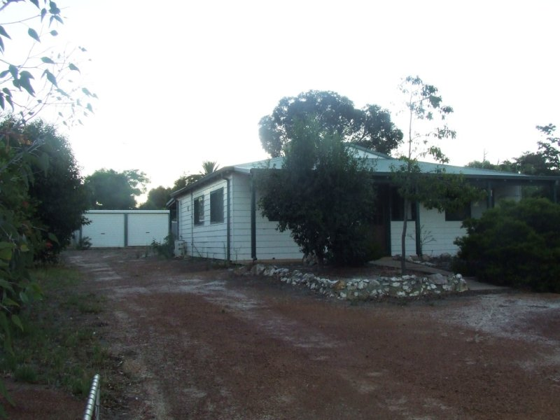 12 Williams St, Brookton, WA 6306