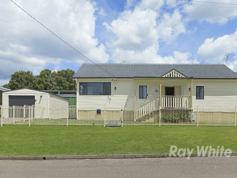1 Prince Street, Fennell Bay, NSW 2283