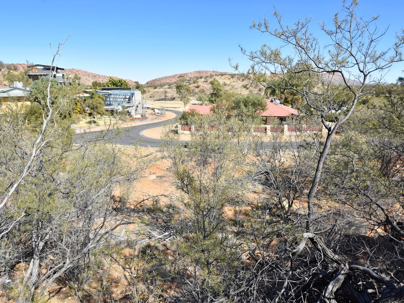 33 The Fairway, Desert Springs, NT 0870