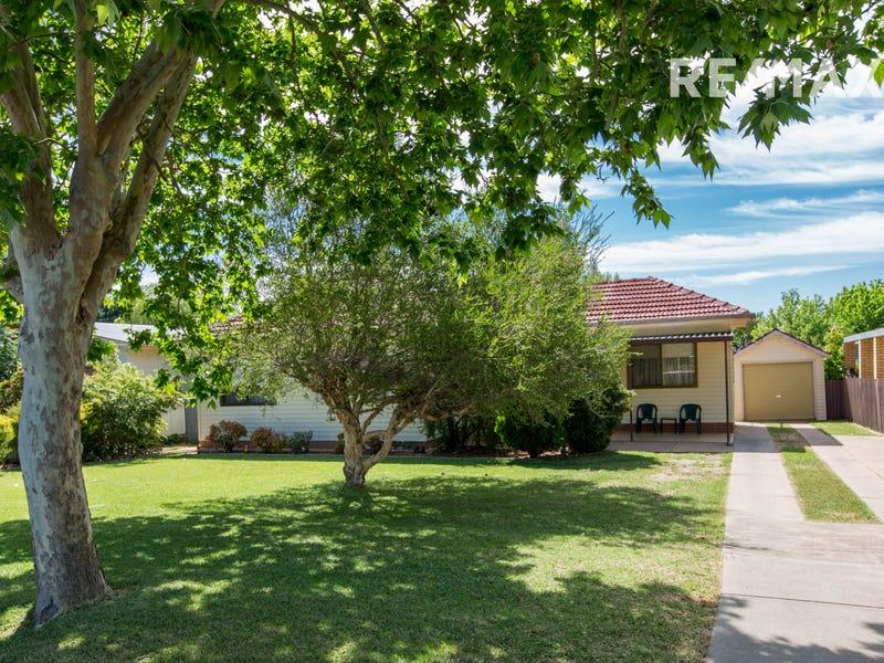 129 Grove Street, Kooringal, NSW 2650