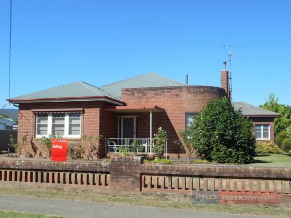 95 Fitzroy Street, Tumut, NSW 2720