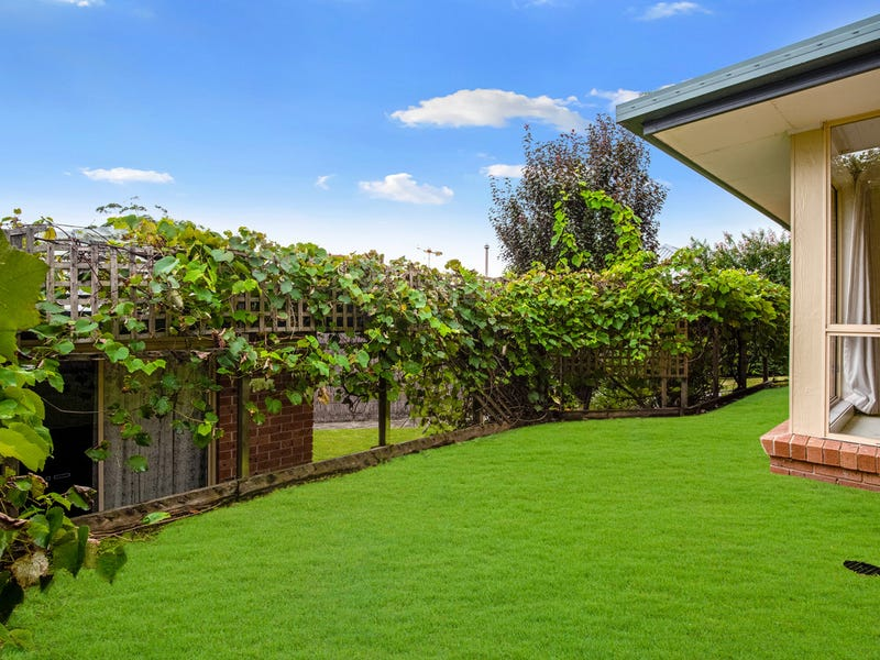 2/5 Florence Avenue, Point Frederick, NSW 2250