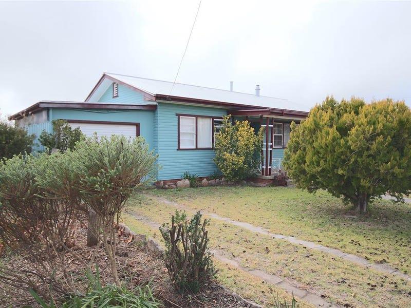72 Manners Street, Tenterfield, NSW 2372