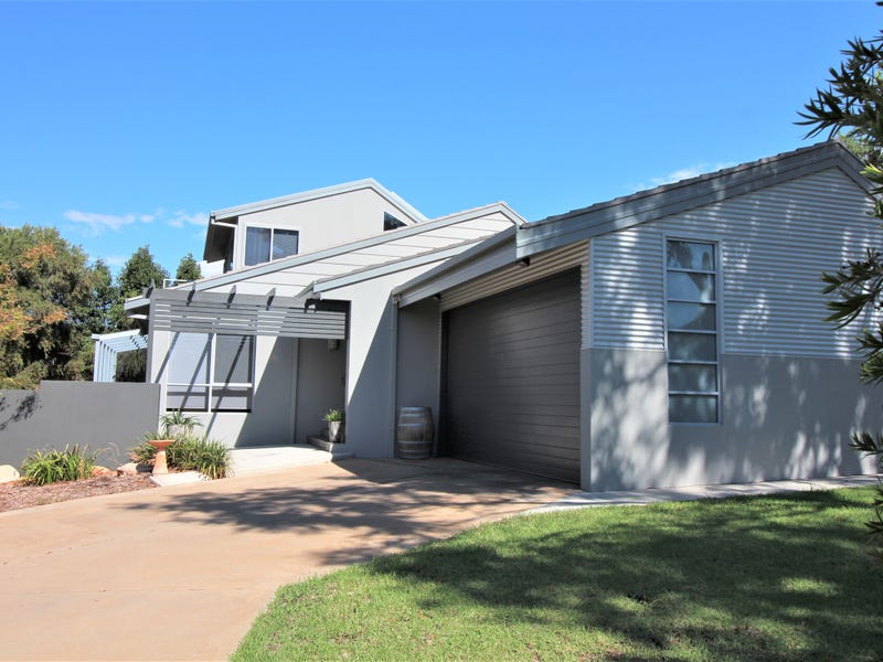 15 Holmes Crescent, Griffith, NSW 2680
