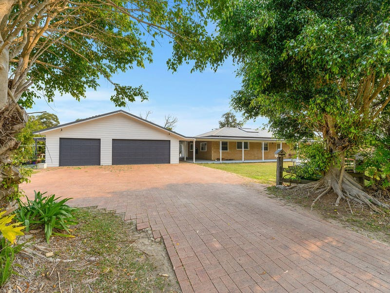 35 Smiths Road, Emerald Beach, NSW 2456