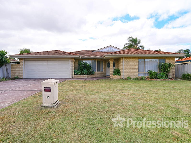 69 Forest Lakes Dr, Thornlie, WA 6108