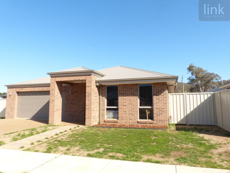94 Cornwall Avenue, Hamilton Valley, NSW 2641