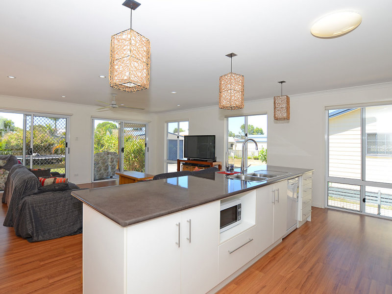 34 Beach Dr, Burrum Heads, Qld 4659