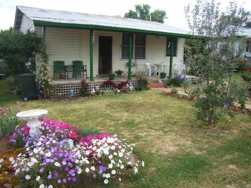 10 Irwin Street, Coolah, NSW 2843