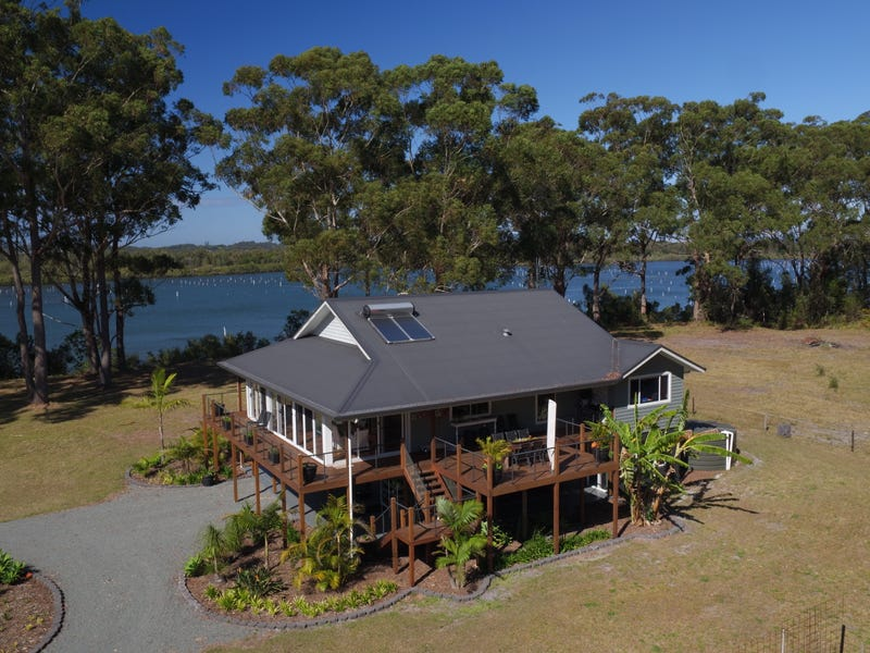 353 Shoreline Drive, Port Macquarie