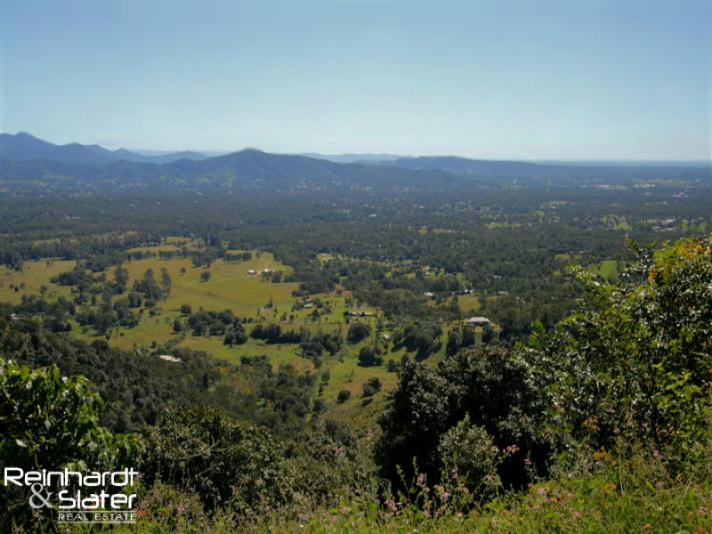 1088 Mt Nebo Rd, Jollys Lookout, Qld 4520