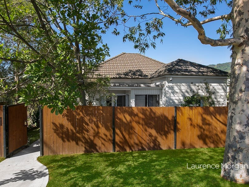 12 Wrexham Road, Thirroul, NSW 2515