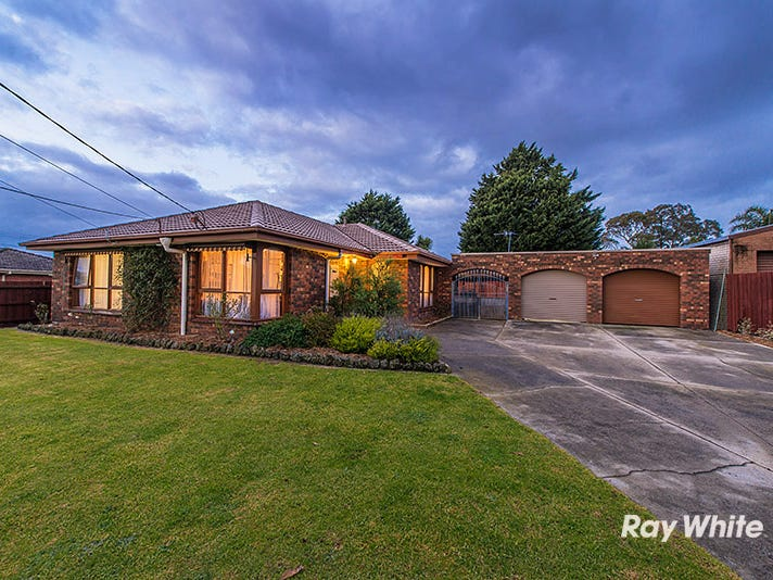13 Marnebeck Court, Cranbourne, Vic 3977