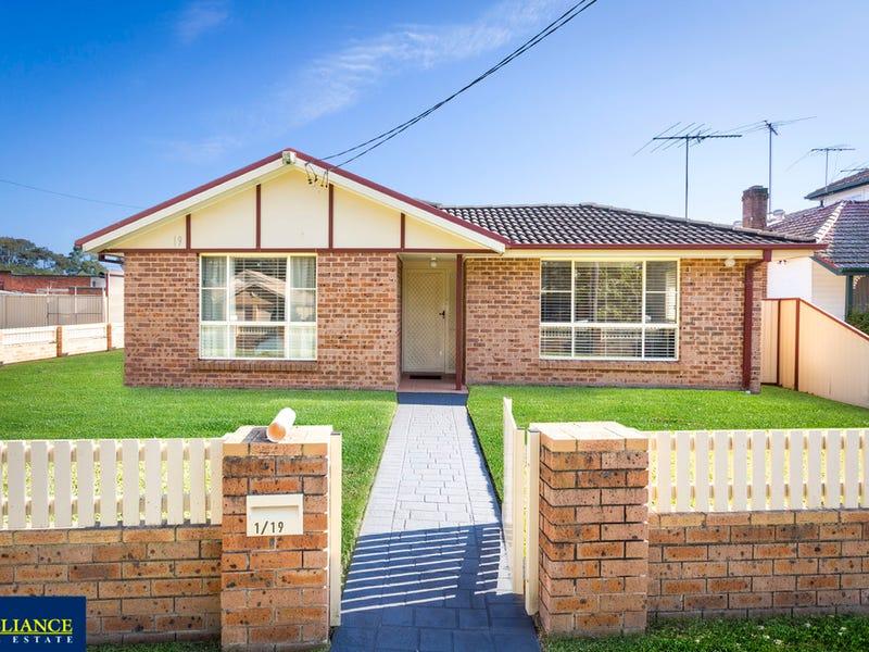 1/19 Broe Avenue, East Hills, NSW 2213