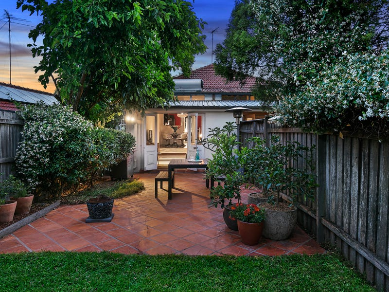 2/129 Warren Road, Marrickville, NSW 2204
