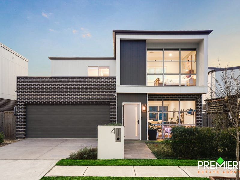 4 Curlewis Street, Gledswood Hills, NSW 2557
