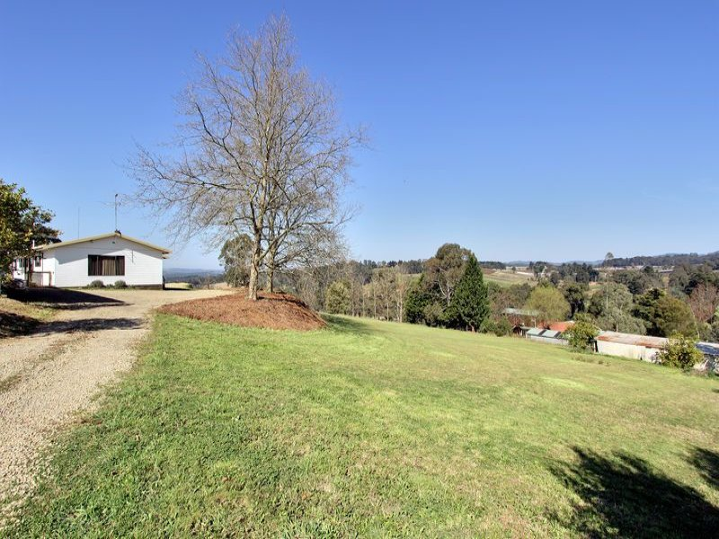 30 Charteris Road, Wandin East, Vic 3139