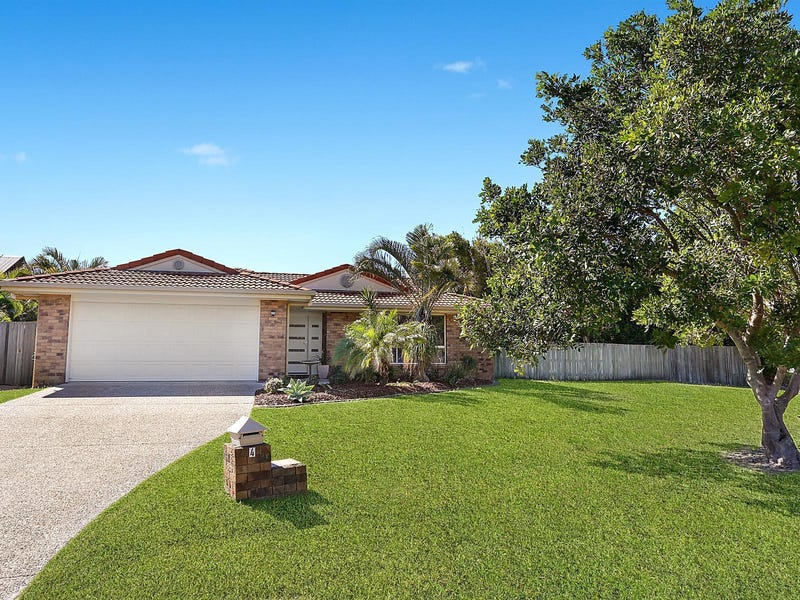 4 Moonbeam Crescent, Castaways Beach, Qld 4567