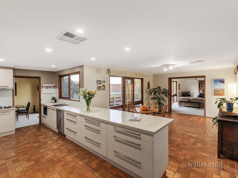 27 Pine Hill Drive, Doncaster East, Vic 3109