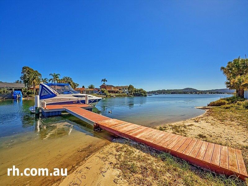 24 Salacia Close, St Huberts Island, NSW 2257