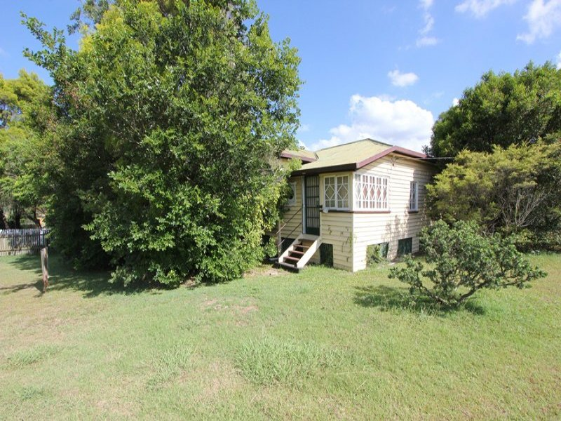 35 Clifton Street, Booval, Qld 4304