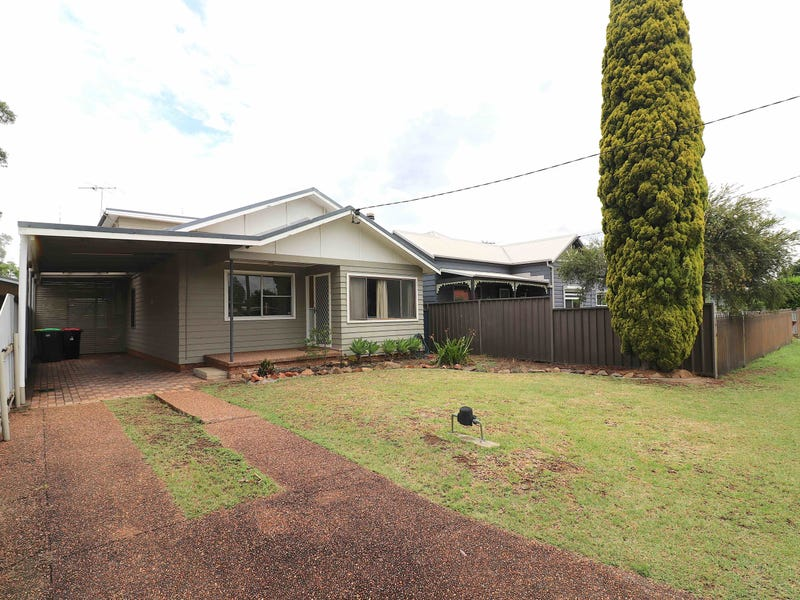 77 Castlereagh St, Singleton, NSW 2330