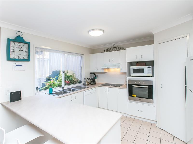 38 Cook Street, Forest Lake, Qld 4078