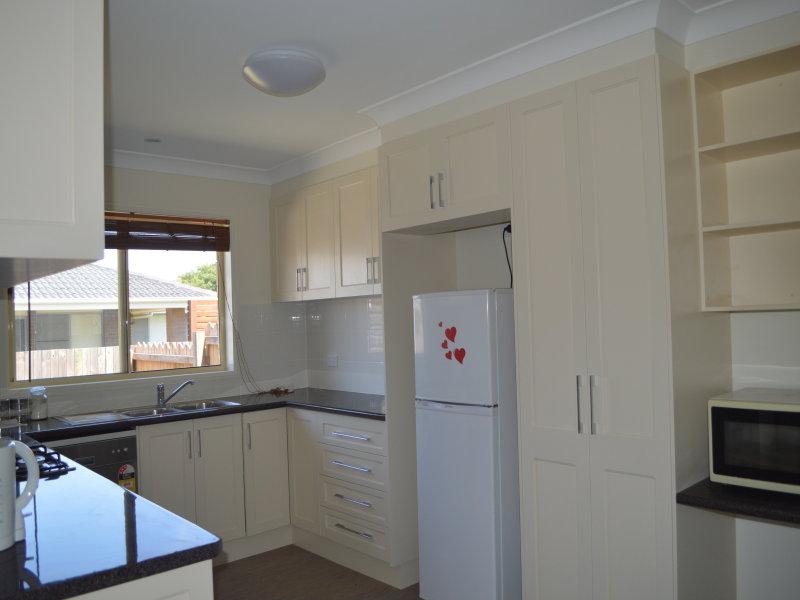 2/3 Claret Ash Drive, Guyra, NSW 2365