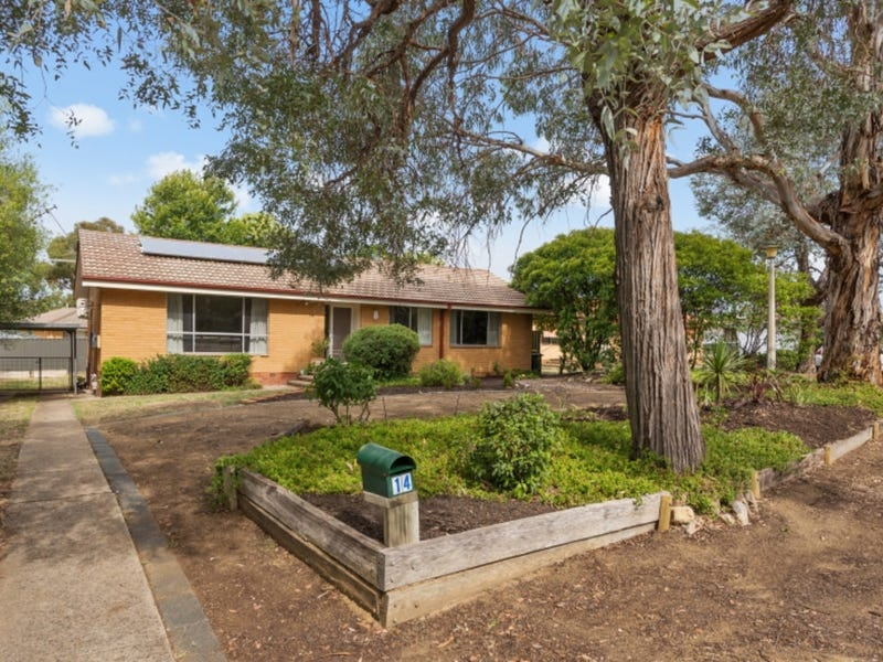 14 East Place, Kambah, ACT 2902